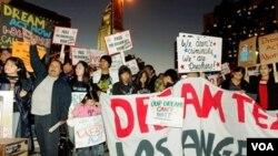 El proyecto es respaldado por grupos pro inmigrantes y por millones de estadounidenses en todo el país.