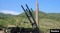 Північнокорейська балістична ракета (архівне фото)
