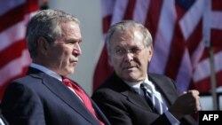 14 Ekim 2006 - Dönemin ABD Başkanı George W. Bush ve Savunma Bakanı Donald Rumsfeld