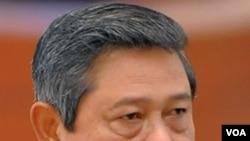 Presiden Yudhoyono menjawab tanggapan atas reaksi negatif masyarakat terhadap kenaikan TDL dan pembatasan pengguna BBM bersubsidi.