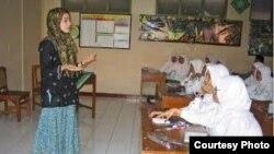 Di Yogyakarta, Claire Hefner sempat tinggal di pesantren dan madrasah (foto/dok: Claire Hefner)