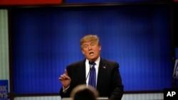 Donald Trump lors d'un débat télévisé à Détroit, le 3 mars 2016. (AP Photo/Carlos Osorio)