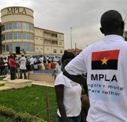 Tchipingui reeleito pelo MPLA da Huíla 1:13