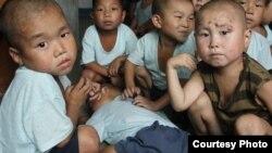 지난해 8월 미션이스트가 촬영한 북한 황해남도 해주 고아원의 아이들. 많은 아이들이 만성적인 영양실조를 겪고 있다. (자료사진)