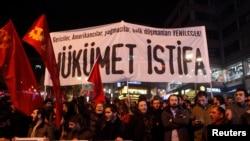 Xwenîşandêrên çepger li Stebolê daxwaza karvekêşana hikûmeta Erdogan dikin