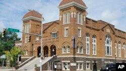Gereja di Birmingham, Alabama yang menjadi sasaran serangan bom yang menewaskan 4 anak perempuan kulit hitam pada tahun 1963 (foto: dok).