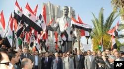 16 Kasım 2013 - Şam, Suriye'de Beşar Esat destekçileri ve rejim yetkilileri Düzeltici Hareket'in 43'üncü yıl dönümünü kutlarken