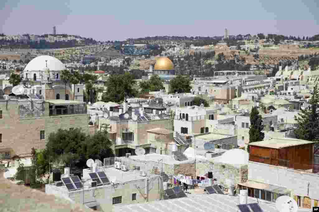 نظامیان اسراییلی در جنگ سال ۱۹۶۷ بخش شرقی بیت المقدس را تصرف کردند