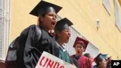 En total 34 jóvenes fueron detenidos y enfrentan la deportación.