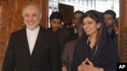 ایرانی وزیر خارجہ اکبر صالحی نے جمعرات کو اپنی پاکستانی ہم منصب حنا ربانی کھر سے بھی ملاقات کی۔