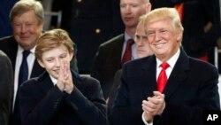 Barron Trump, le dernier des fils du président Donald Trump à Washington, 20 janvier 2017.
