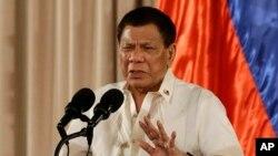 菲律賓總統杜特爾特8月16日在馬尼拉講話資料照。