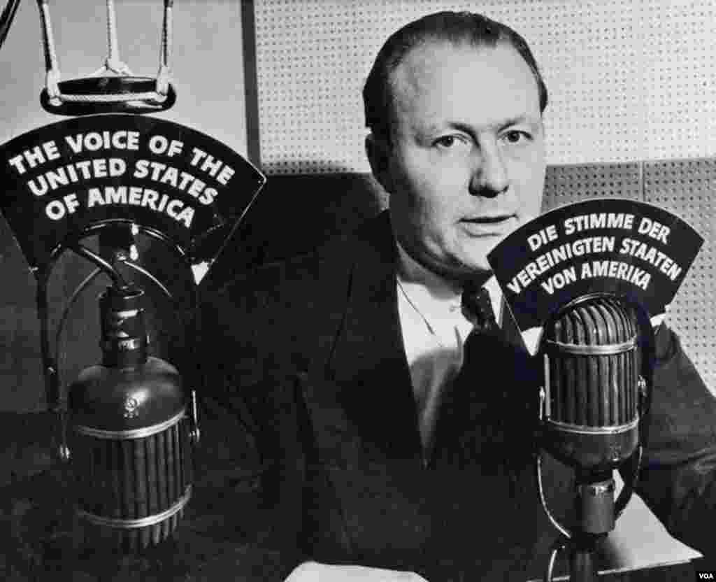 Early German-language VOA broadcaster, Robert Bauer.