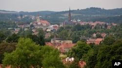 Nazilerin İkinci Dünya Savaşı sırasında hazine dolu treni gizlediği iddia edilen Polonya'nın Walbrzych kenti