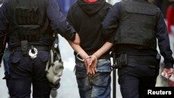 Kantor berita resmi Turki mengatakan polisi Istanbul telah menahan 36 orang yang dituduh anggota ISIS. (Foto: ilustrasi).