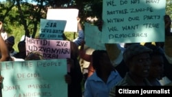 MDC T supporters demonstrating in Mutare over the disqualification of an aspiring primary elections candidate
