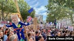 İngilizler'den Başbakan Johnson'a 'Darbeyi Durdur' Çağrısı