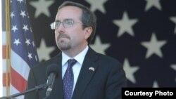 جان بس اکنون سفیر امریکا در ترکیه است.