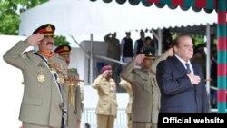 وزیراعظم نواز شریف اور جنرل راحیل شریف (فائل)