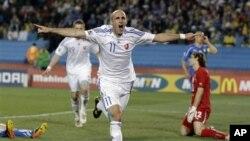 Joie débordante du Slovaque Robert Vittek après son second but contre l'Italie