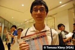 香港中文大學學生會成員劉同學參與佔中第一個商討日,在佔中的實驗階段希望了解成效如何(美國之音湯惠芸攝)