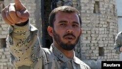 جنرال عبدالرازق وایي په وژل شویو ملکي کسانو کې ۱۵ ښځي او ماشومان او په ټپي ملکیانو کې ۱۴ ښځي او ماشومان شامل دي.