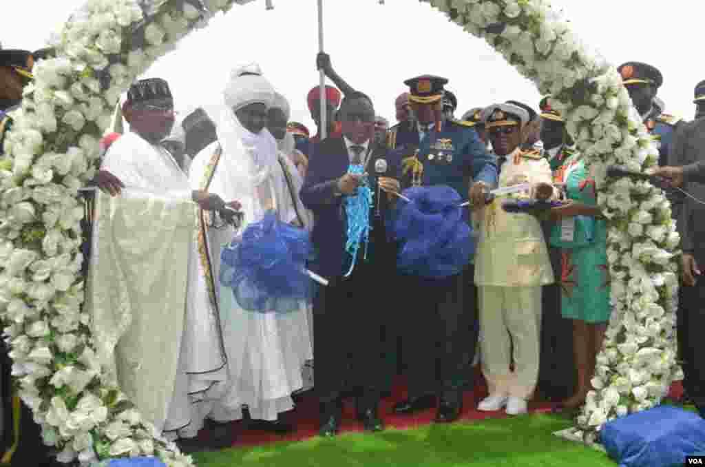 Ministan tsaron Najeriya da ya wakilci shugaba Muhammadu Buhari wajen bikin