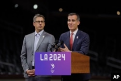 Los Angeles mayor Eric Garcetti makes a presentation related to the city's bid for the 2024 Olympic Games.
