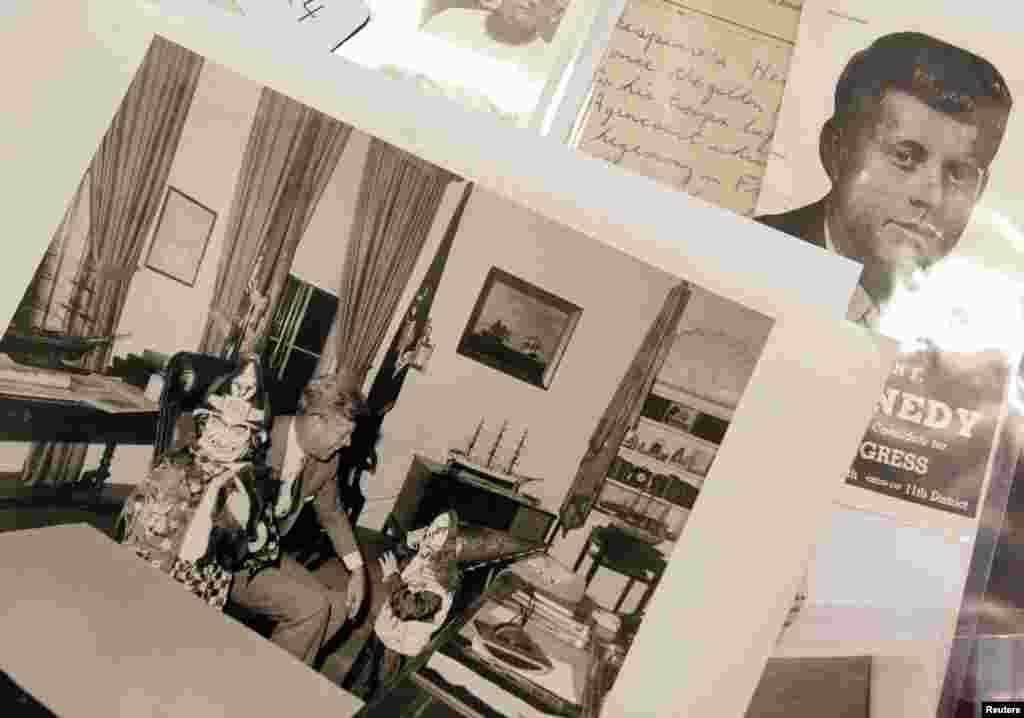 سابق امریکی صدر کی اشیا کی تصاویر کی نیلامی