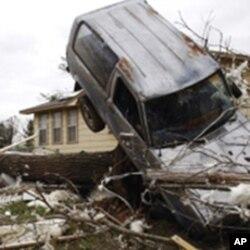Торнадата однесоа нови жртви во САД
