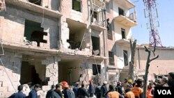 Una explosión ocurrida en Aleppo provocó graves daños, y también Damasco fue escenario de otros atentados.
