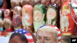 روس کی روایتی گڑیوں میں ٹرمپ کا مجسمہ