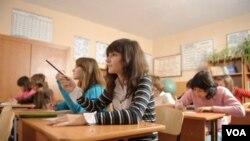 El departamento de Educación concedió una subvención a HITN para crear herramientas que permitan a disminuir la brecha en el rendimiento escolar en el colectivo hispano.
