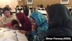 پشاور کی مسیحی برادری کی خواتین۔ فائل فوٹو