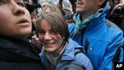 Russian Court Releases One of Three Pussy Riot Members