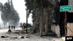 Les forces du régime syrien entrent dans le village d'Utaya le 5 mars 2018.