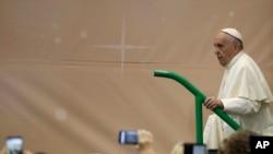 """El Papa dijo que """"es un imperativo moral"""" arreglar el problema de las prisiones."""