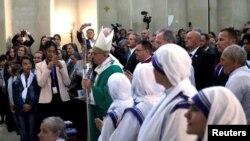 پاپ فرانسیس در باکو