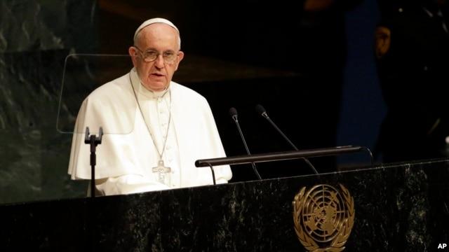 Đức Giáo Hoàng đọc diễn văn trước các nhà lãnh đạo thế giới tại Đại hội đồng LHQ ở New York, ngày 25/9/2015.