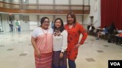 지난달 워싱턴 DC에서 미얀마인 친구들과 함께 한 마이라 다가이포(가운데).