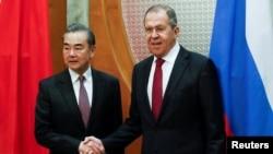 中國外長王毅5月13日,在俄羅斯與外長拉夫羅夫會面。