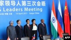 Лидеры рупнейших развивающихся экономик на саммите БРИКС