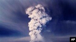 انسداد میدان هوائی عمدۀ آیسلند از بیم آتش فشان