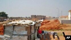 Demolições, como a aqui representada em Luanda, são há anos assunto polémico em Angola (foto de arquivo)