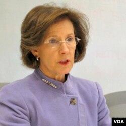 Ketua Komisi Keamanan Produk Konsumen AS, Inez Tenenbaum
