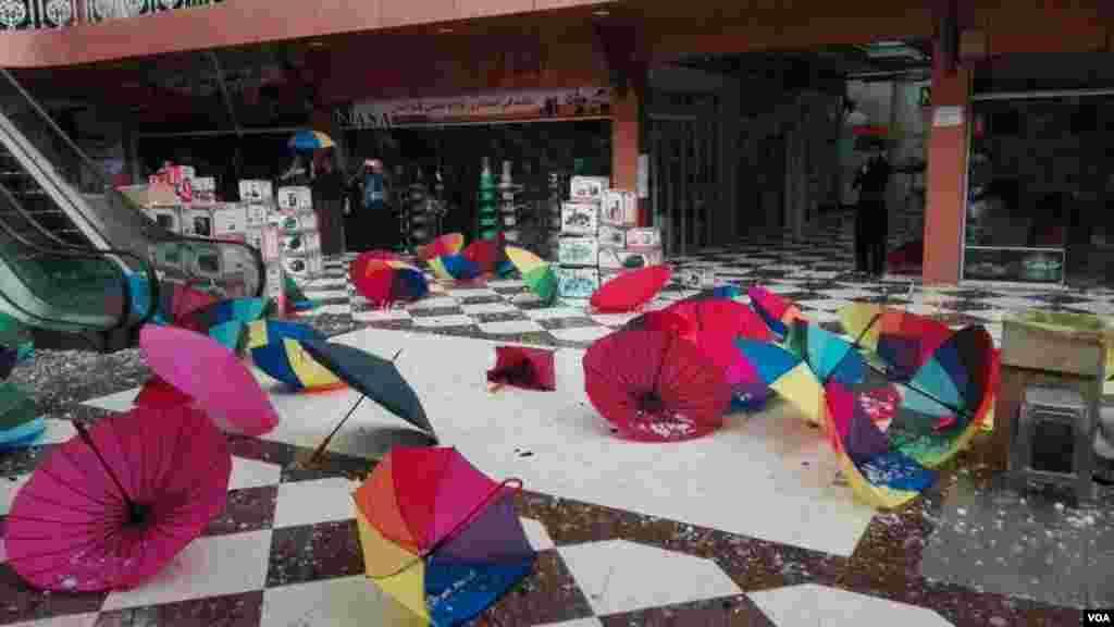 بارش شدید تگرگ در روانسر کرمانشاه عکس: میلاد حسینی(ارسالی شما)