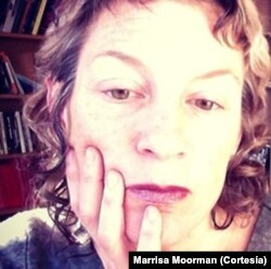 "Marissa Moorman, autora de ""Intonations"""