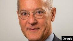 Ivan Vejvoda, ekspert Instituta za društvene nauke, Beč