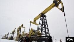 Los precios del petróleo han bajado un 10% del máximo al que llegaron a principios de mayo, pero siguen altos.