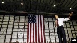 美國總統奧巴馬在阿富汗美軍基地向美國軍人發表講話